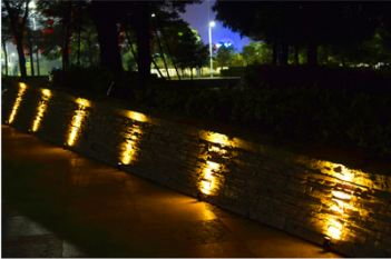 Solar Flood Light-1 Watt-Aluminum Alloy Material-8 to 9 Working Time